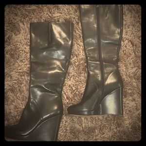 Nine West wedge boots black size 9
